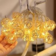 Guirlande Lumineuse Boules Torsadées Fil Doré - 20 Leds - 3 mètres - Connexion USB