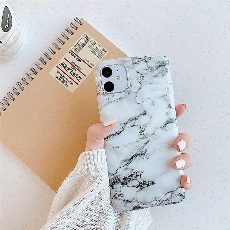 iPhone 11 - Coque Silicone avec Motif Marbré - 32 Motifs & Couleurs au Choix