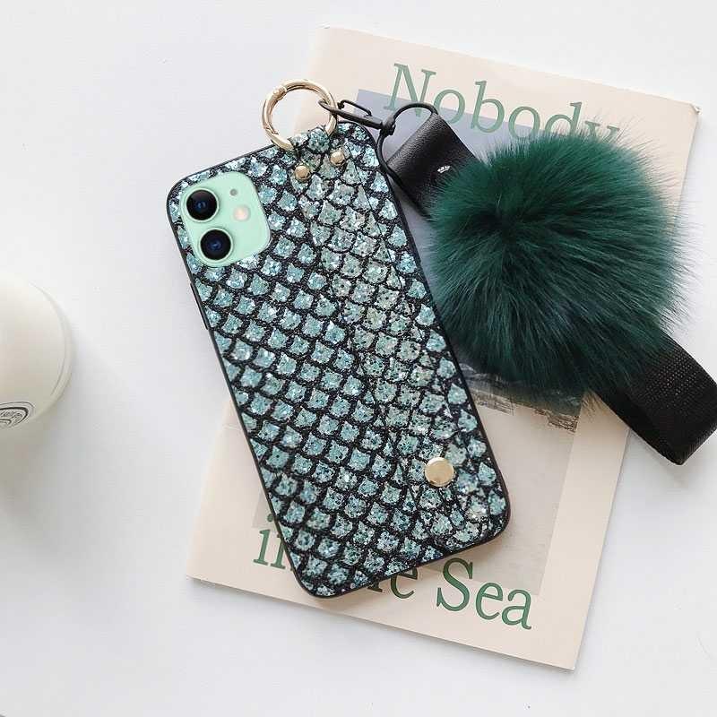 Coque Chevalet & Dragonne Amovible avec Boule de Poils pour iPhone 11