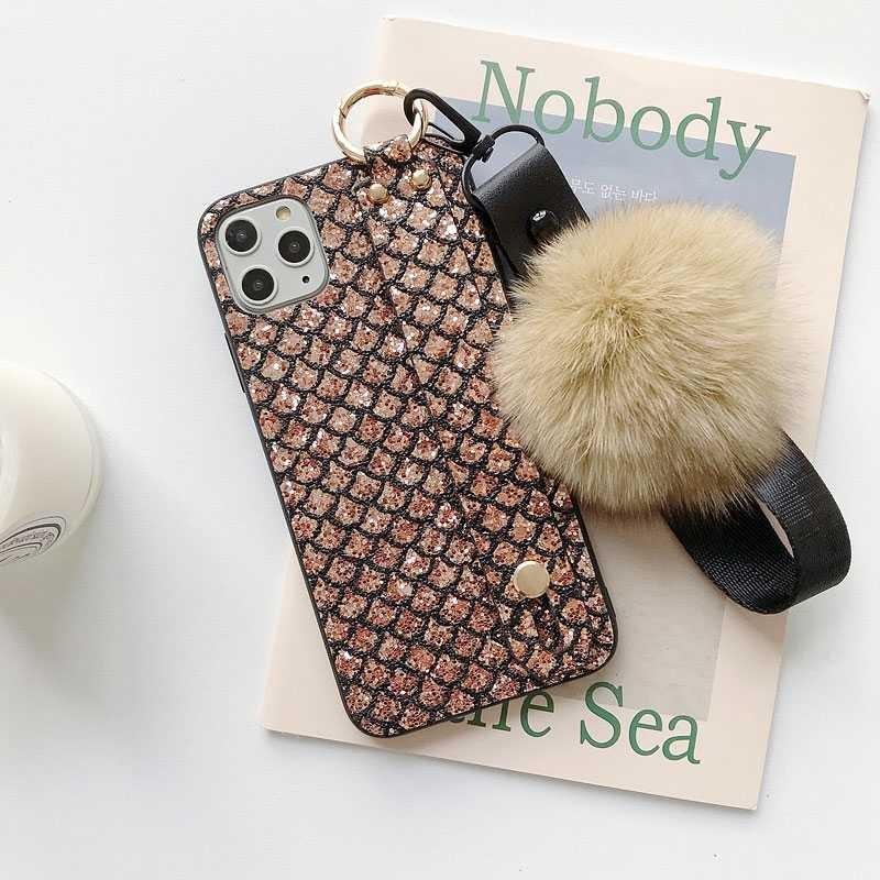 Coque Chevalet & Dragonne Amovible avec Boule de Poils pour iPhone 11 Pro